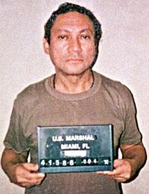 Noriega, cuando fue capturado por el Ejército de EEUU tras la invasión de Panamá en diciembre de 1989. | AFP