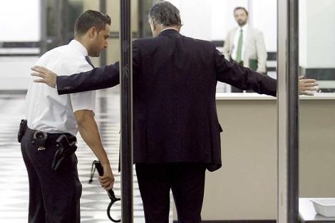 El ex senador del PP Luis Bárcenas, a la entrada del Tribunal Supremo. | Alberto Di Lolli