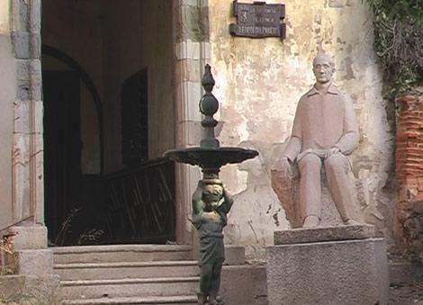 Estado de parte de la fachada antes de la restauración.