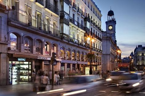 A la izquierda, tienda de la cadena Marypaz junto a la Puerta del Sol madrileña. | EM