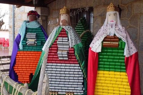 Los Reyes Magos con latas, obra de Ramiro García. | Ical