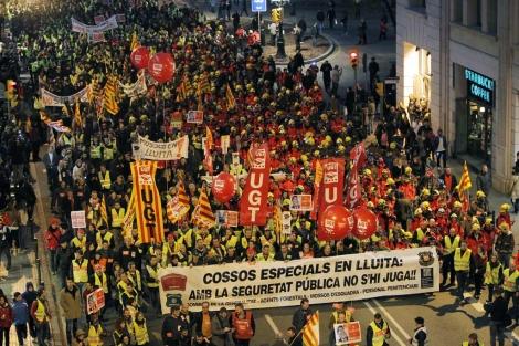 La manifestación ha colapsado Via Laietana durante hora y media. | Jordi Soteras