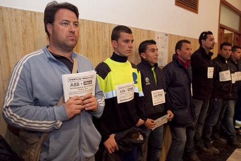 Trabajadores de Eulen en una protesta durante el pleno municipal de diciembre. | Madero Cubero