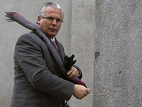 Baltasar Garzón, a su llegada ayer al Tribunal Supremo por el juicio del franquismo.   Reuters