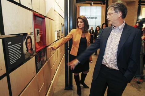 Bill y Melinda Gates en la presentación de una sede de su fundación. | Reuters