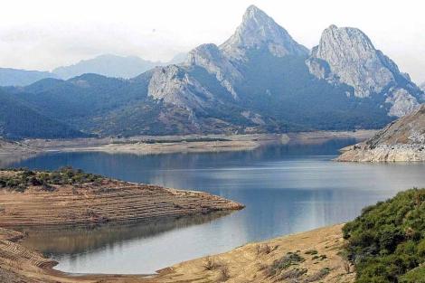 El pantano de Riaño (León) en un año de sequía. | ICAL