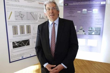 El físico Pedro Miguel Echenique, en Santander. | Efe