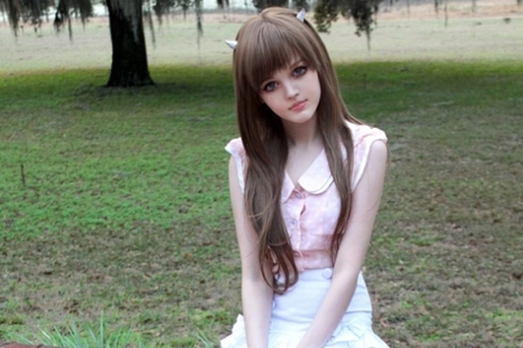 Kota Koti, la niña convertida en una 'Barbie real'