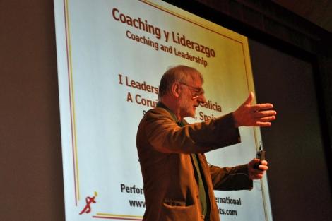 John Whitmore fue el encargado de abrir las jornadas.. | Leadership Fórum