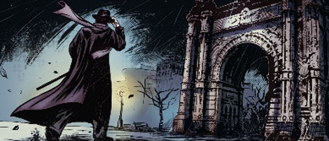 El detective en el Arc de Triomf.