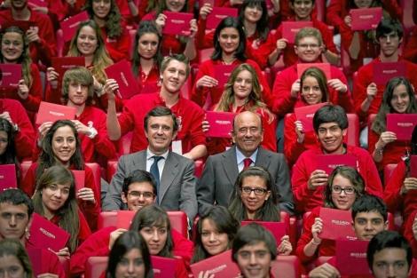 Encuentro de Emilio Botín con estudiantes. | Guillermo G. Baltasar