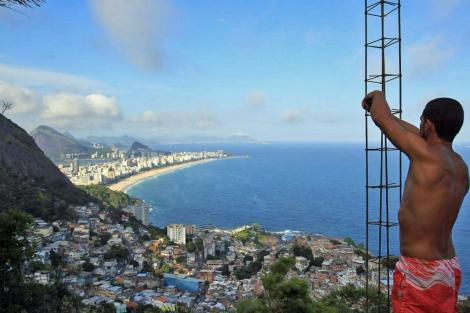 VIsta panorámica de la favela Vidigal, en Río de Janeiro. | Efe