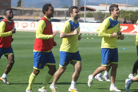 Rossi, en el centro, durante un entrenamiento. | E. T.