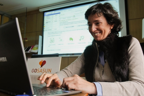 Lola Elejalde, de Innobasque, prepara las jornadas de Gosasun. | Justy G. Koch