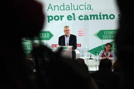 José Antonio Griñán, durante el comité director del PSOE-A. | Jesús Morón