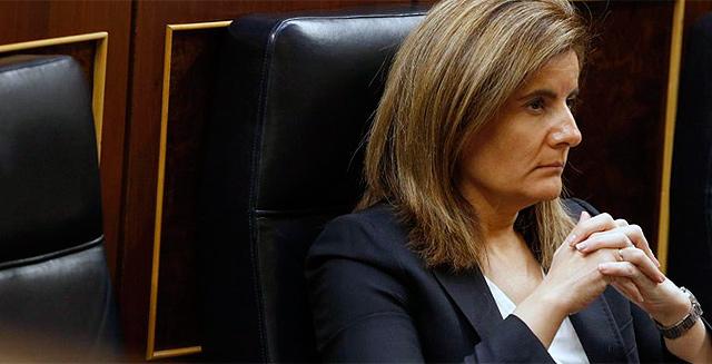 La ministra de Empleo, Fátima Báñez, en el Congreso. | Efe