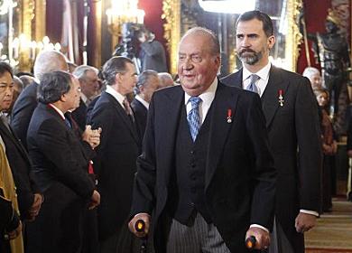 El Rey y el Príncipe, durante una recepción en el Palacio Real. | Efe