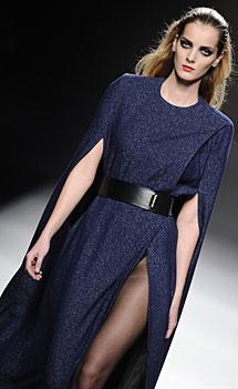 Vestido-capa de Ana Locking. | G3