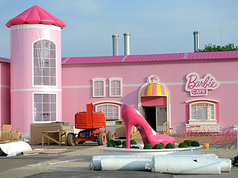 Exterior de la tienda Barbie de Berlín