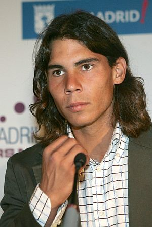 Rafa Nadal, durante el acto de presentacin. (Foto: EFE)