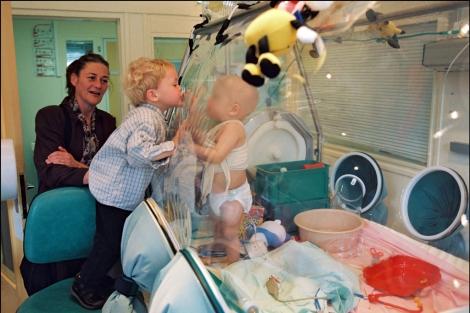 El tratamiento de la uña encarnada a los niños en moskve