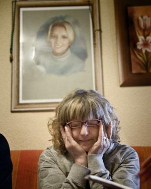 DUELO PERPETUO. María del Mar Bermúdez ha convertido la casa familiar en un santuario a su hija fallecida.